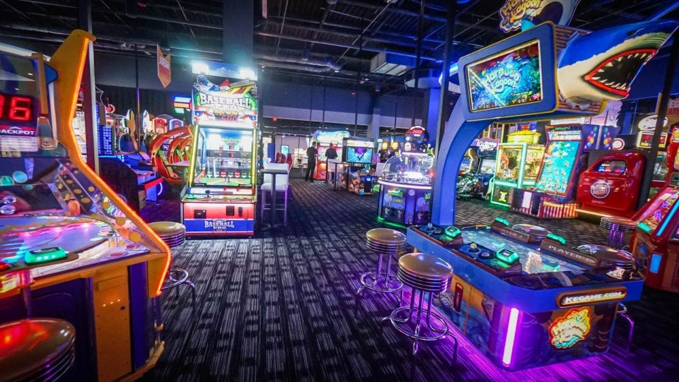 With Dave's name first because he won a coin toss, they opened the first Dave & Buster's in December Today, much has changed. Each store has more state-of-the-art games than ever, more mouth-watering menu items and the most innovative drinks anywhere.3/5(K).